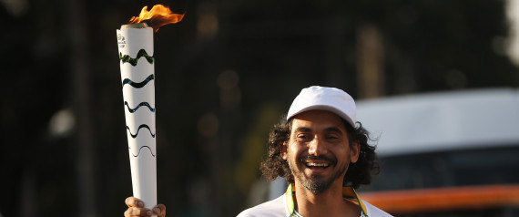 eduardo kobra tocha olimpica