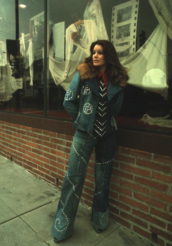 Priscilla Presley Shop...