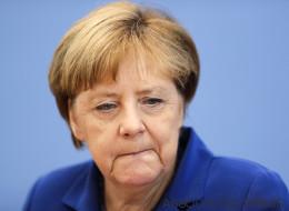 Merkel macht auf der Bundespressekonferenz ein brisantes Eingeständnis