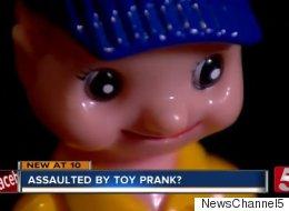 Cette cliente dit que ce jouet l'a agressée sexuellement au restaurant