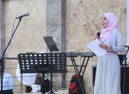 قهرت السرطان ومعابر الاحتلال.. قصة تفوق الفتاة الفلسطينية التي أدت امتحانات الثانوية بغرفة العلاج الكيماوي