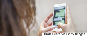 SMARTPHONE CHAT WOMAN