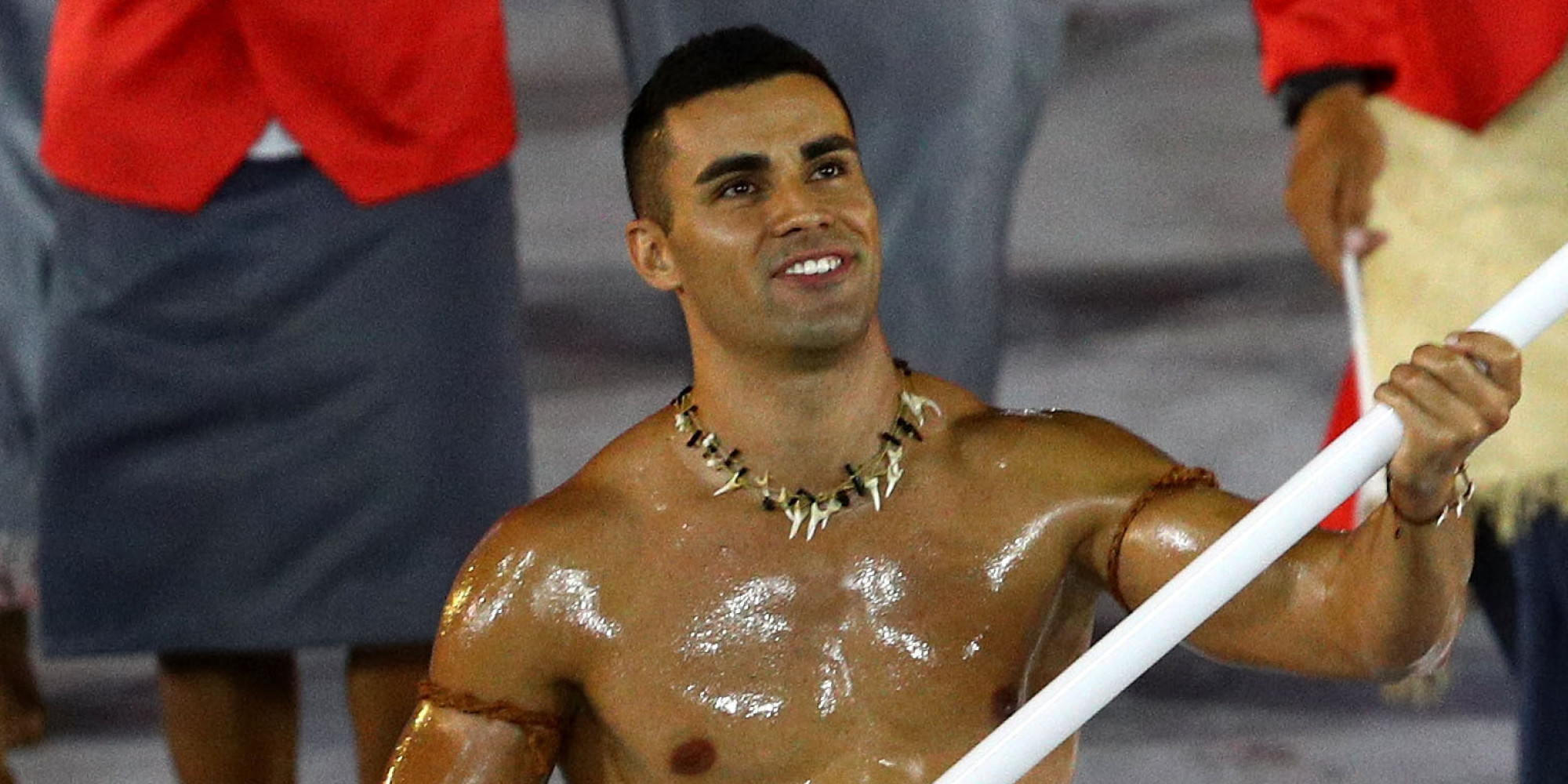 [Image: o-TONGA-OLYMPIC-FLAG-BEARER-facebook.jpg]