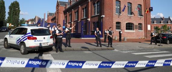 POLICIERS MACHETTE CHARLEROI