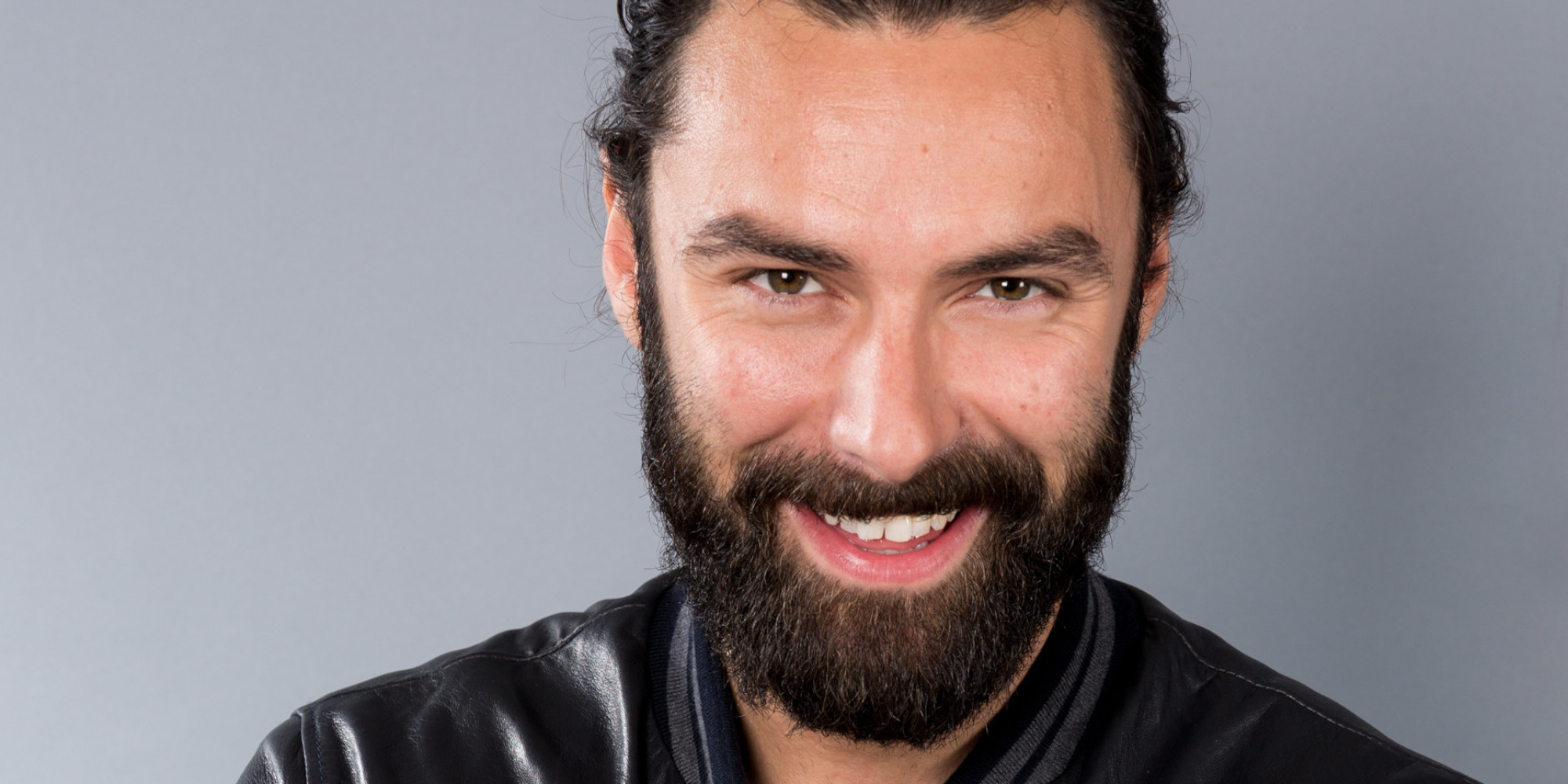 'Poldark' Star Aidan Turner Licensed To Stay Silent Over ... Daniel Craig