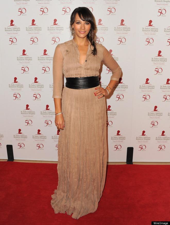Rashida Jones In Nude, Floor-Length Burberry Gown: Look Of ...