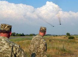 Ucrania incrementa su presencia militar en la frontera con Crimea