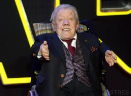 Muere Kenny Baker, el actor que dio vida a R2-D2 en 'Star Wars'