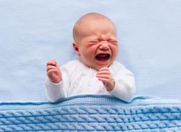Laisser pleurer un enfant ne lui apprendra pas à dormir