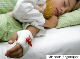 Une mère fait subir à ses enfants des traitements médicaux pour toucher des prestations