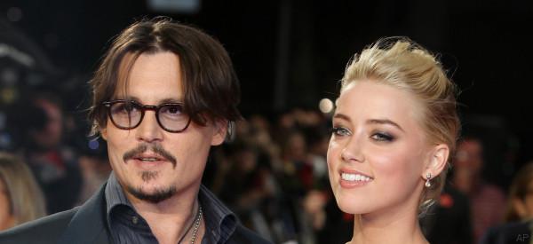 Depp e Heard trovano l'accordo per il divorzio: a lei 7 milioni di dollari
