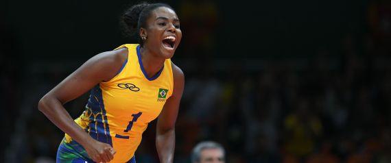A central Fabiana é bicampeã olímpica pelo Brasil (2008 e 2012). Foto: Johannes Eisele/AFP/Getty Images