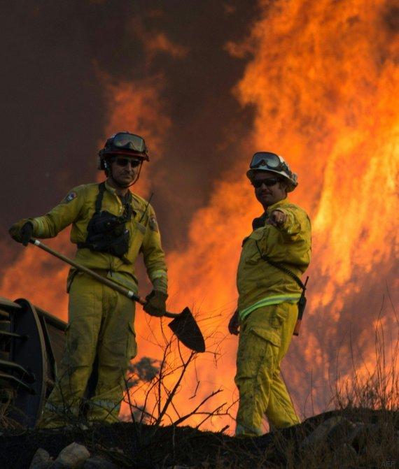 bomberos incendio california