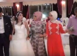 شاهد.. عروس تركية تهرب من فرحها لحظة انفجار سيارة مفخخة