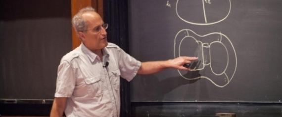 أذكى فيزيائي في العالم: الوعي سيظل لغزاً يصعب على العلم حله