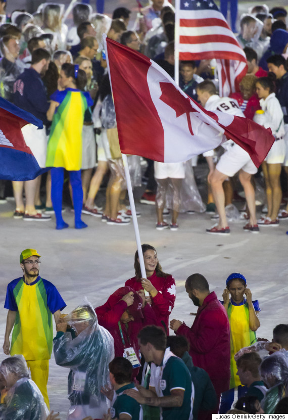 penny oleksiak rio closing ceremony