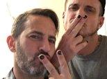 Ces hommes ouvrent la voie pour le vernis à ongles masculin