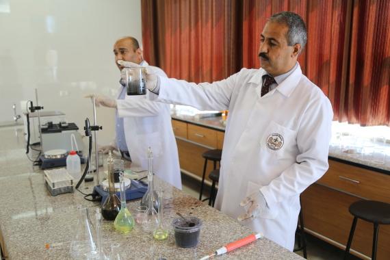 باحثان ينتجان وقوداً البحر لإنهاء o-GAZA-570.jpg?1