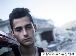 이 17세 소년은 이탈리아 지진 현장서 무려 7명이나 구조했다