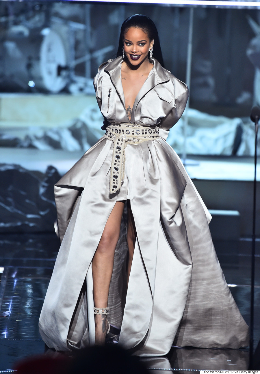 A Breakdown Of Rihannau0026#39;s 2016 MTV VMAs Outfits The Good The Better The Best