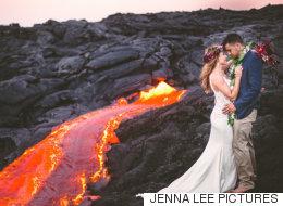 Ces nouveaux mariés posent sur un volcan en activité (PHOTOS)