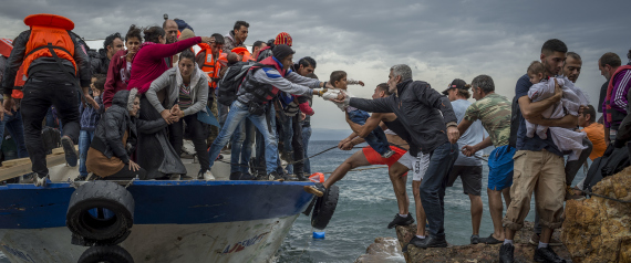 ILLEGAL IMMIGRANTS SEA ITALY