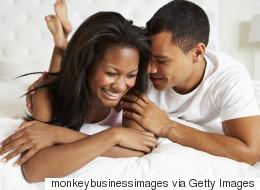 12 conseils pour les couples tentés par le sexe anal (VIDÉO)