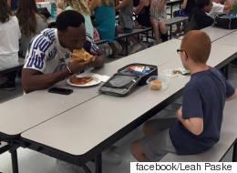 1년 전, 자폐 학생과 점심을 먹은 풋볼 선수의 근황