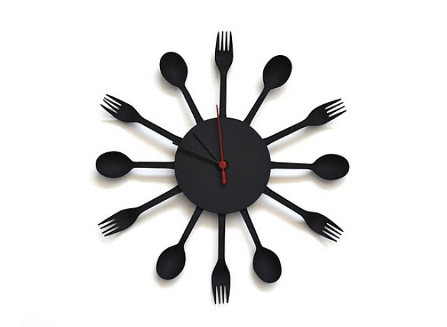 Craft Of The Day Plastic Utensils Clock Huffpost