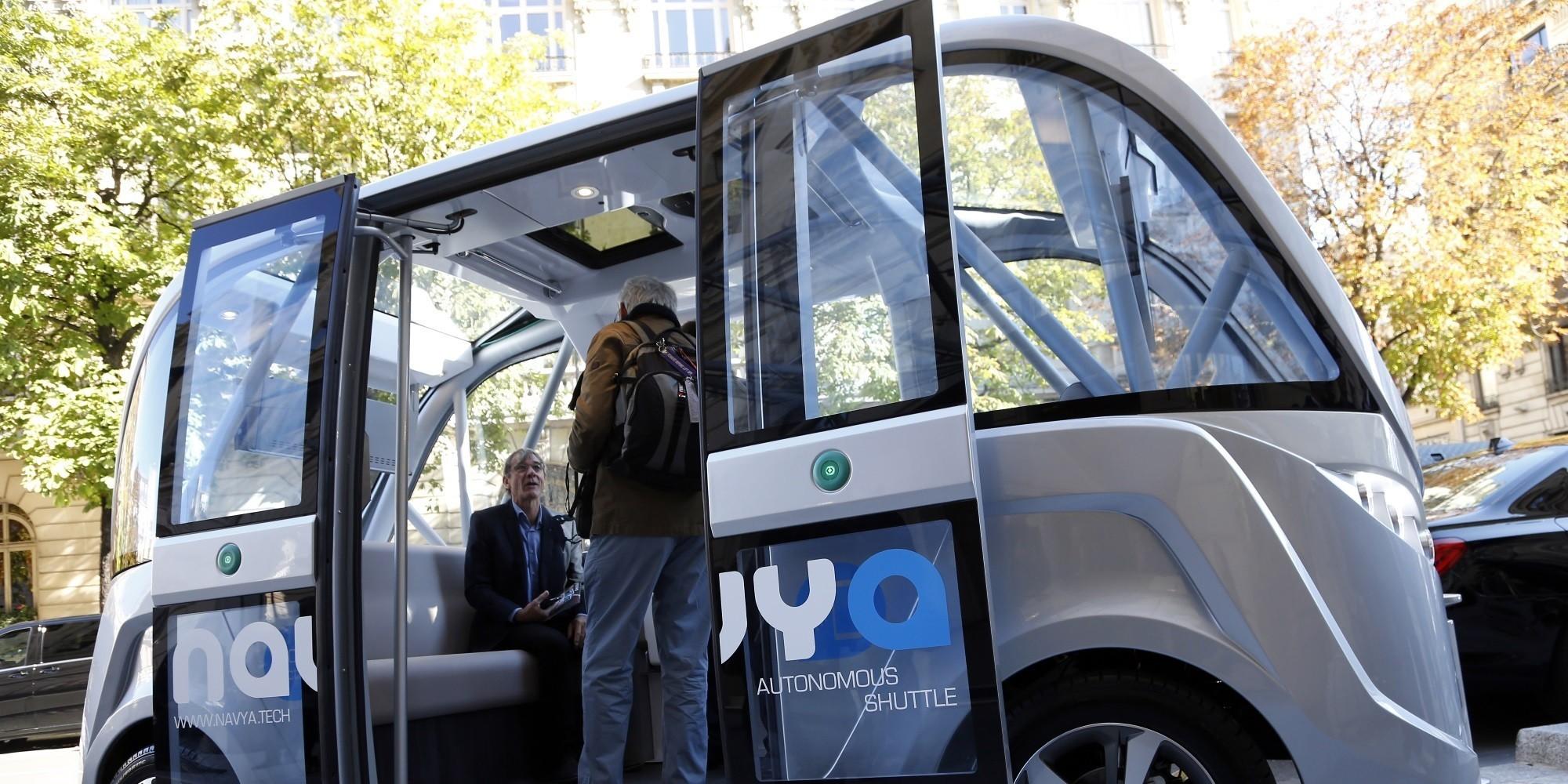des bus sans chauffeur en exp rimentation lyon pendant un an. Black Bedroom Furniture Sets. Home Design Ideas