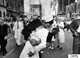 Photo: décès de la femme embrassée à New York par un marin à la fin de la guerre