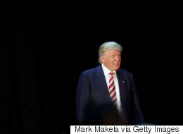 Clinton souffrante, Trump occupe le terrain médiatique