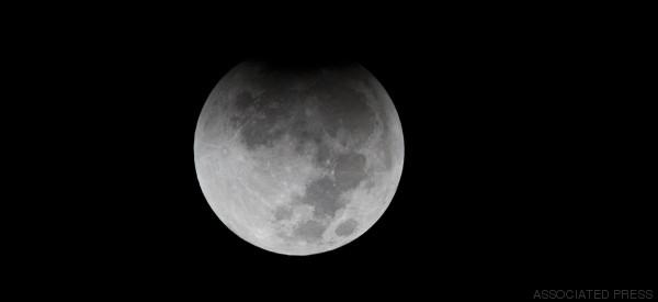 Occhi puntati al cielo: venerdì 16 settembre arriva l'eclissi di luna penombrale