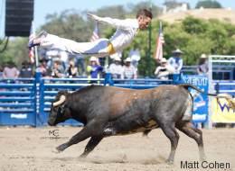 «Bull Jumping», un sport extrême dans la lentille d'une montréalaise (VIDÉO)