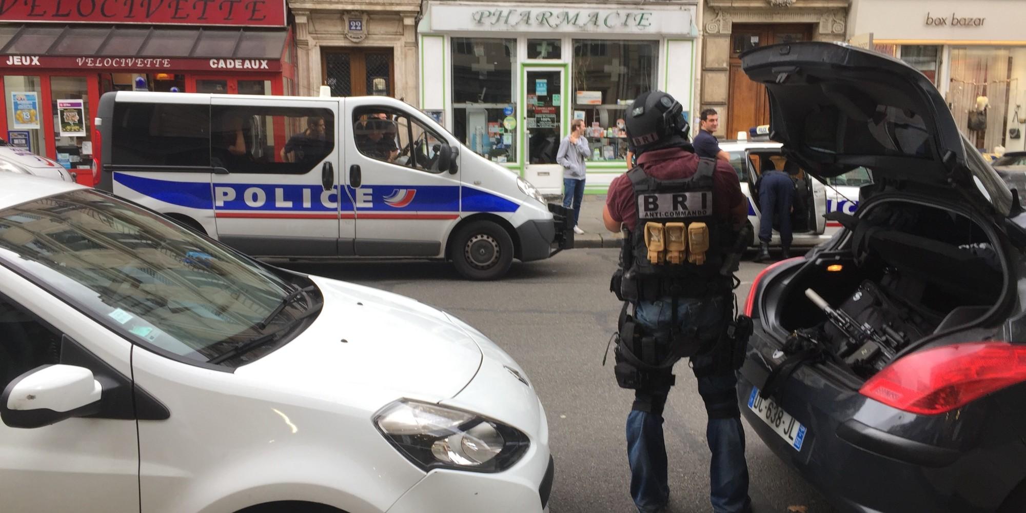 Attentat Facebook: Les Images De L'intervention De La Police Pendant La
