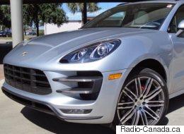 Le SPVM recherche le conducteur d'une Porsche argentée