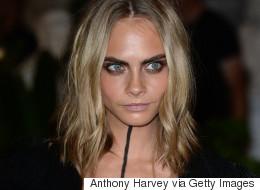 Cara Delevingne opte pour un maquillage unique au défilé Burberry