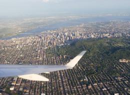 Bruit des avions: des Montréalais intentent un recours en justice (VIDÉO)