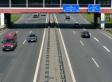 Unbekannter wirft Stein auf Autobahn - Familie schwer verletzt