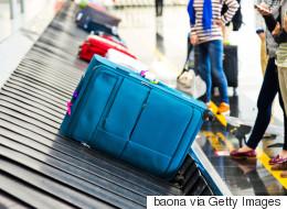 Une femme surprise en train de voyager avec les entrailles de son mari à l'aéroport