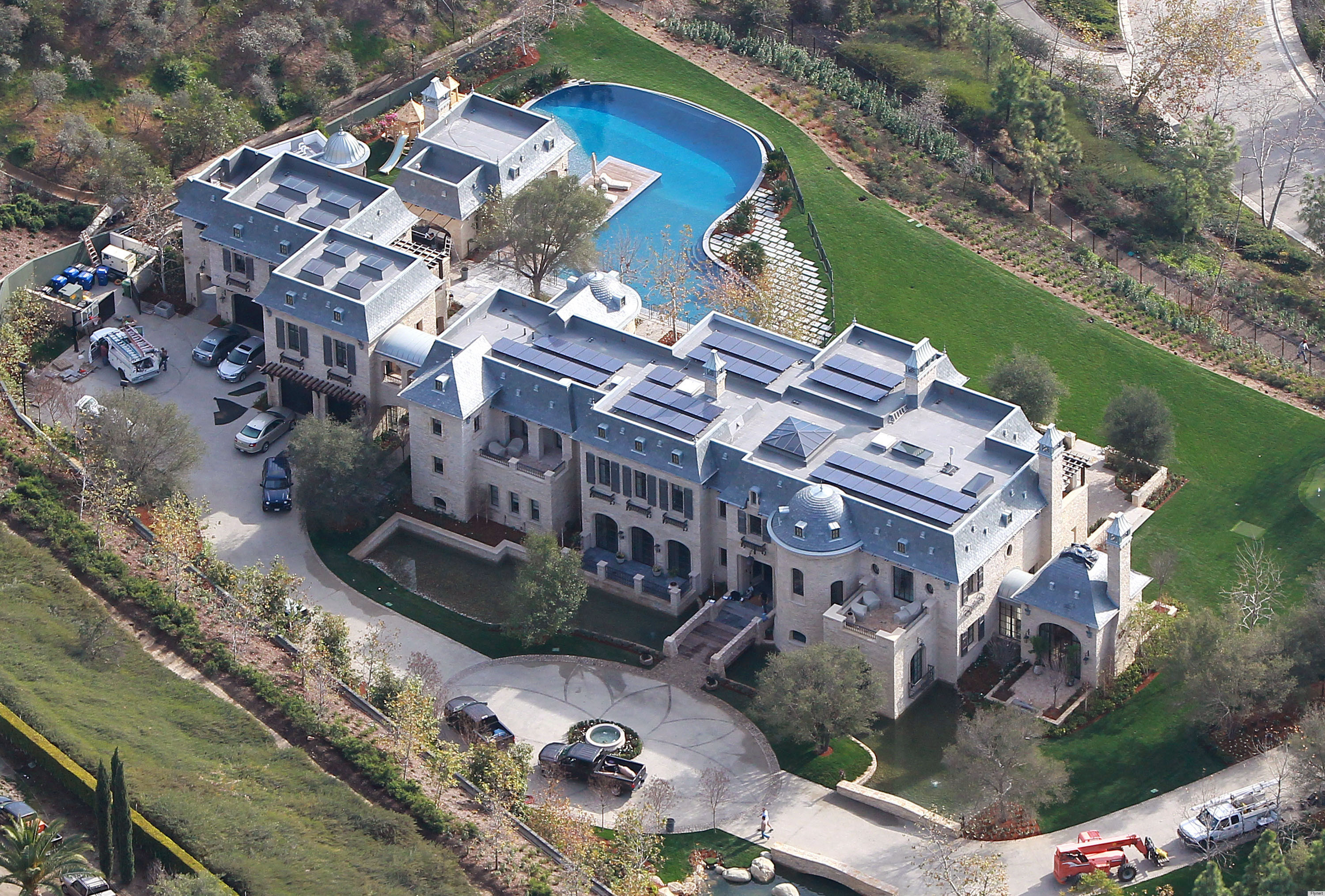 Gisele & Tom Brady's New House In California Is Bigger Than All Of Our