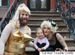 20 Completely Unique Costume Ideas For Families Of 3