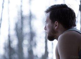 Warum Männer Depressionen so oft verstecken