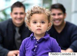 Les parents de familles gaies n'auront plus à adopter leurs propres enfants