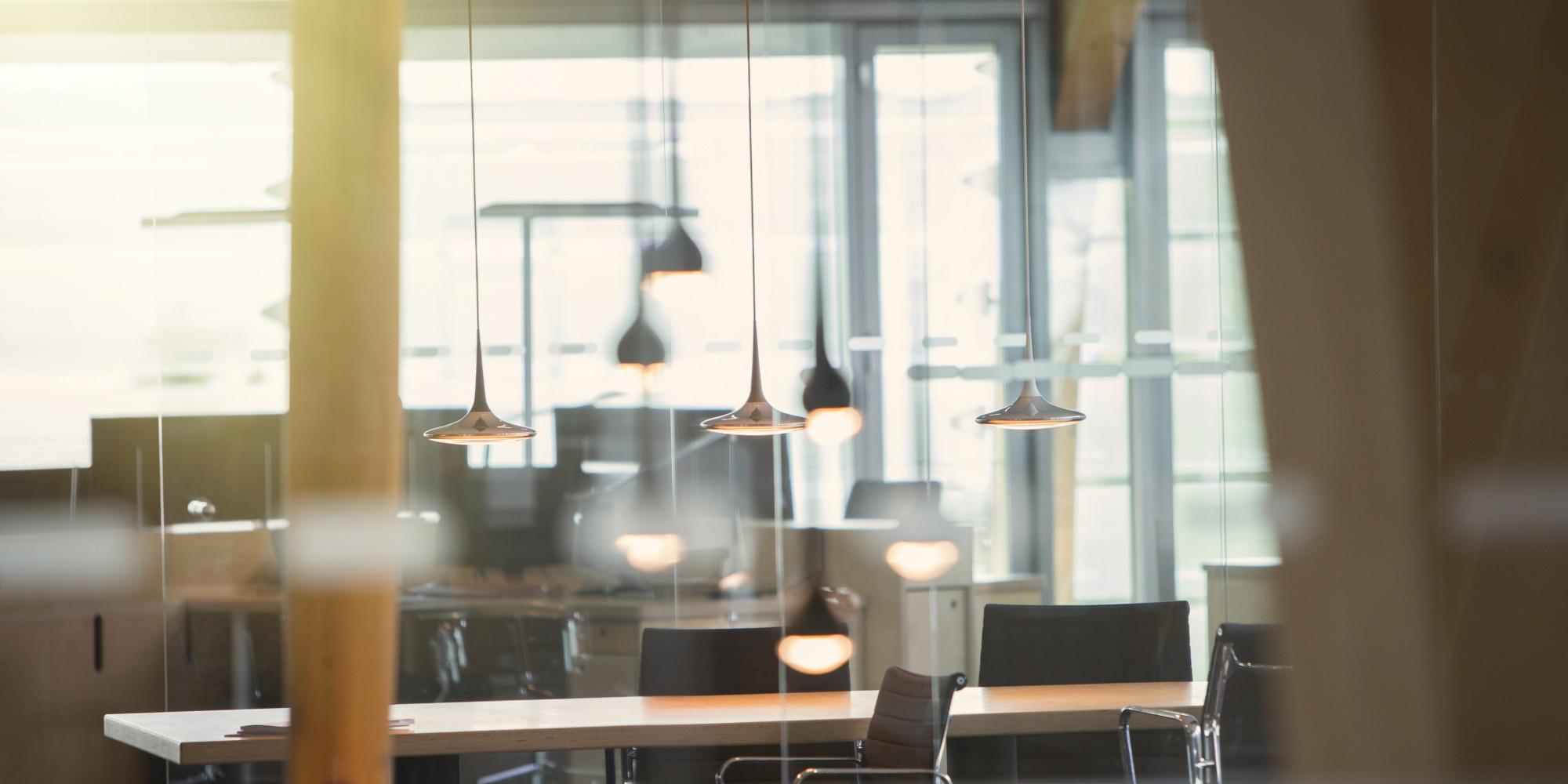 Le bureau de demain vu par ceux qui y travailleront dans for Immeuble bureau moderne