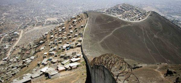 Un dilema para María y más de 100 millones de latinoamericanos que viven en asentamientos informales