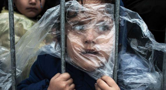 طفلةٌ سورية بمصوِّرها العالمية o-S-570.jpg?5