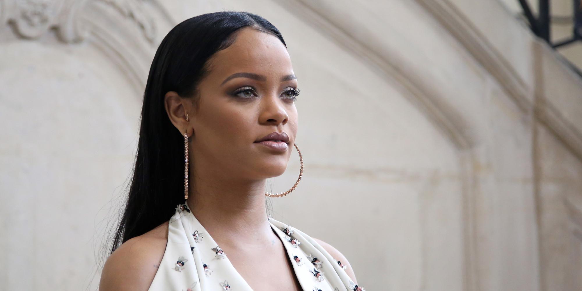 Rihanna a des dreadlocks - Rihanna poids 2017 ...
