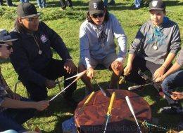 Des rituels ancestraux pour garder les jeunes Autochtones à l'école
