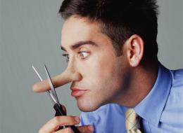 كيف تكتشف الشخص الكاذب من ملامح وجهه؟